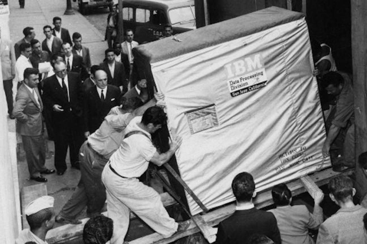 #107 – Should IBM Quit the Storage Hardware Business?